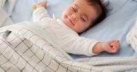 5 Cara Agar Tidur Bayi Baru Lahir Berkualitas Nyenyak
