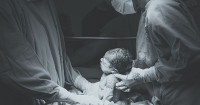 4. Meningkatkan risiko lahir prematur