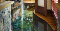 7. Akuarium lantai