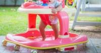 1. Baby walker membuat anak lebih lambat belajar