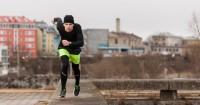 5 Tips Berolahraga Saat Musim Hujan Aman