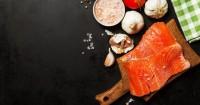 1. Ikan salmon atau tuna