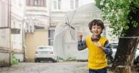 2. Sediakan payung jas hujan