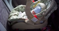 3. Posisi car seat menghadap depan