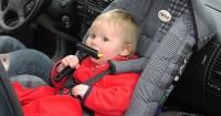 4. Meletakkan car seat kursi depan