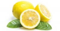 2. Kandungan dalam lemon mengaburkan noda hitam bekas jerawat