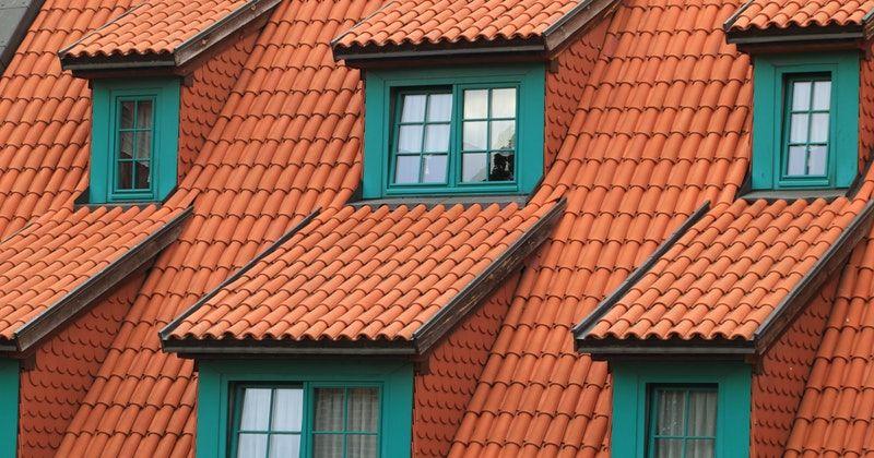 4. Pasang atap sudut kemiringan tepat