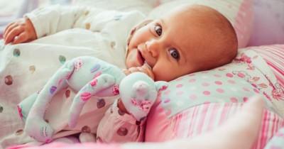 Penting! Ini 7 Cara Memilih Bantal Bayi agar Tidurnya Berkualitas