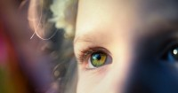 2. Merawat kesehatan mata