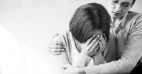 Apakah Setiap Ibu Hamil Keguguran Harus Dikuret