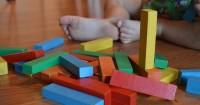 4. Meningkatkan imajinasi anak sejak sedini mungkin