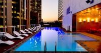 4. Keluarga pengeksplor staycation hotel terbaik