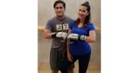 2. Latihan tinju bersama suami
