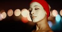 2. Mengatasi masalah-masalah penuaan kulit wajah