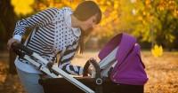 4. Bawa alat gendong stroller