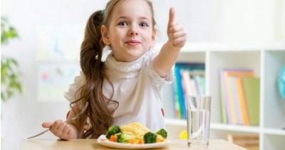 5 Cara Tepat Memberikan Cemilan Sehat untuk si Kecil