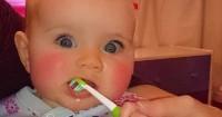 1. Cara merawat gigi bayi baru tumbuh