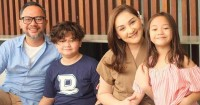 Menarik Begini Cara Mona Ratuliu Memantau Media Sosial Anak-Anaknya