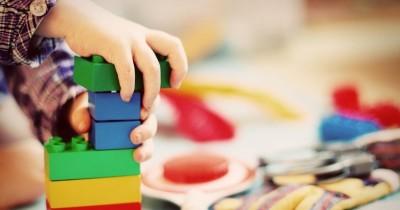 7 Manfaat Bermain Balok Bagi Kecerdasan dan Kreativitas Anak