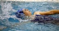 4. Berenang