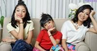 1.Melihat kedua anak mengikuti jejak sebagai penyanyi, bagaimana Mama Nola melihat karier Naura Neona