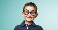 Selain Kacamata, Ini 10 Cara Mengobati Mata Silinder Anak