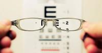4. Melakukan pemeriksaan mata anak secara rutin