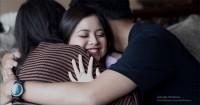 2. Mengumumkan kehamilan ke orang terkasih