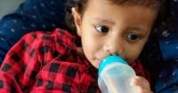 6. Botol susu dot mudah dicuci