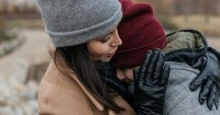 4. Kembangkan kecerdasan emosional anak