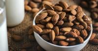 5 Manfaat Konsumsi Almond Saat Hamil