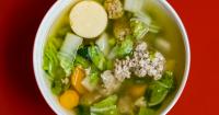 5. Mengonsumsi makanan sehat