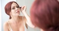 4. Menggunakan makeup secukupnya