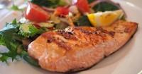 1. Konsumsi makanan tinggi protein