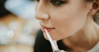 1. Small lips