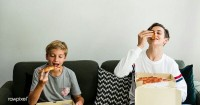 Ya Anak Laki-Laki Juga Bisa Mendapatkan Gangguan Makan