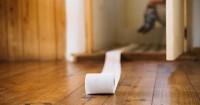 3. Berikan posisi nyaman saat toilet