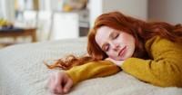 1. Tidur tengkurap saat hamil apakah itu ide buruk