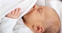 Ini 7 Cara agar Bayi Bisa Dapat ASI Meski Tak Langsung dari Mama