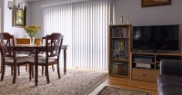 2. Sesuaikan ukuran karpet ruangan