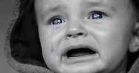 1. Bayi dianiaya hingga kehilangan anggota tubuhnya