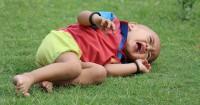 3. Menangis sampai sesak napas tiduran lantai