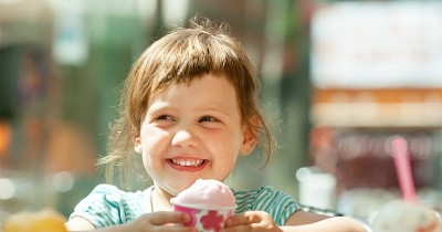 Jangan Sepelekan, Ini Fakta di Balik Perubahan Warna Gigi Anak