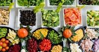 Bisakah Mama makan sayuran mentah saat hamil