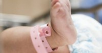 Dikira Tumor, Ternyata Ada Janin Hidup Dalam Perut Bayi Ini