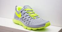 4. Sepatu olahraga
