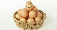 3. Jauhkan telur dari makanan aroma menyengat