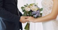 5. Mimpi kamu menikah lagi suami