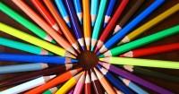 1. Sediakan beragam alat tulis