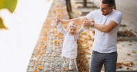 Waspada Bayi Jalan Jinjit atau Toe Walking Bisa Pertanda Penyakit